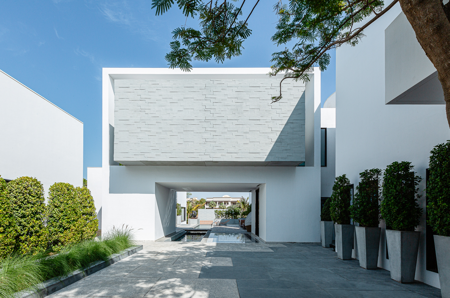 Modern architecture photographers, private villa courtyard in Dubai by Photographer Ella Bessette